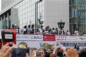 20161120-2優勝パレード